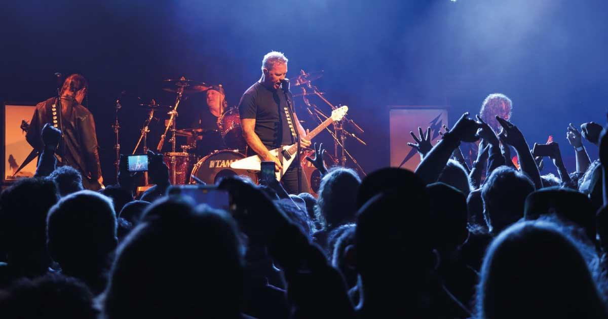 Metallica realiza seu primeiro show ao com público em 738 dias