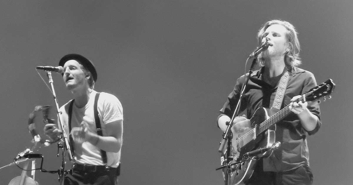 "The Lumineers anuncia o álbum ""BRIGHTSIDE"" e compartilha faixa-título"