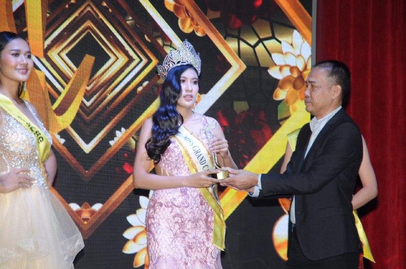 លីវ ជីលី ស្នងមកុដ Miss Grand Cambodia 2020 ពី សេង រដ្ឋា
