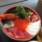 漁港を目の前に新鮮な海鮮をいただきます!「読谷村漁業協同組合 海人食堂 いゆの店」