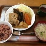 国際通り「花笠食堂」で沖縄定食を楽しもう