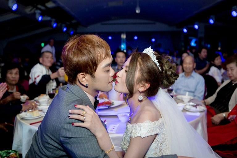 婚禮上,紅衣紅唇的焦點-台北婚禮攝影師,婚禮攝影師阿崑,婚禮攝影作品