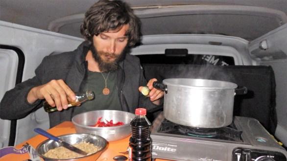 Večera u kombiju