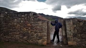 Puca Pucara - crvena utvrda - maneken na glavnom ulazu