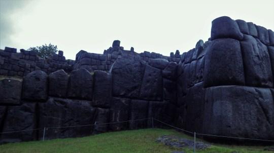 Ogromne zidine u Saksaywamanu