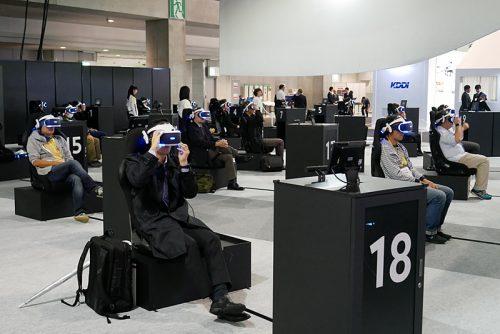参加者全員がPlayStation VRを装着するとゲームがスタート