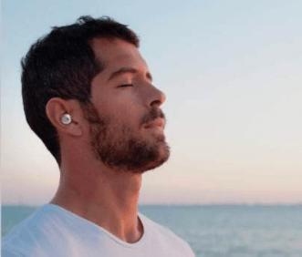 超小型Bluetooth補聴器『Olive』①
