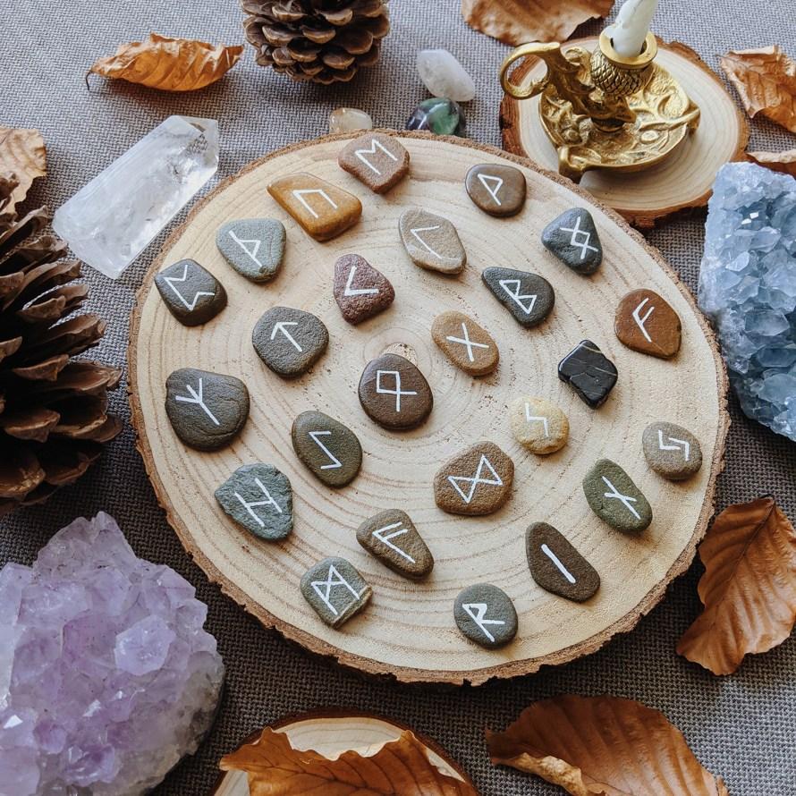 Oktoberdots Runenstenen DIY