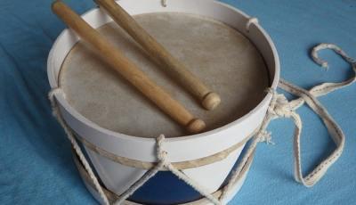 come fare un tamburo con un palloncino