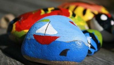 come decorare i sassi con la pittura