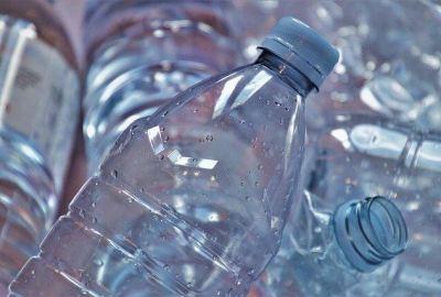 Come fare un aeroplano con una bottiglia di plastica