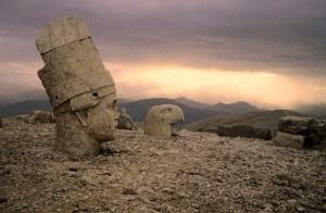 nemrut dagi 2 300x196 - Nemrut Dağı