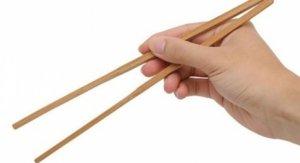 cinli2 300x163 - Çinliler yiyeceklerini niçin çubuklarla yerler?
