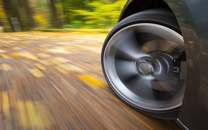 Filmlerde tekerlekler niçin ters döner?, OkuGit.Com - Tarih, Güncel, Kadın, Sağlık, Moda Bilgileri Genel Bloğu