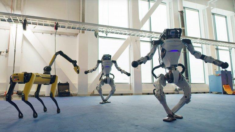 Boston Dynamics Robotları, Yeni Yılı Bu Muhteşem Dans Şovuyla Kutladı, OkuGit.Com - Tarih, Güncel, Kadın, Sağlık, Moda Bilgileri Genel Bloğu
