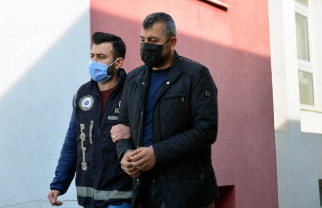 adanada musterilerin imzalarini taklit edip vurgun yapti 3 WPP1u4rM - Adana'da müşterilerin imzalarını taklit edip, vurgun yaptı