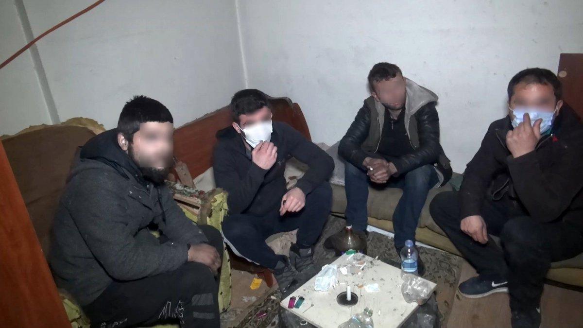 Bursa'da kısıtlamada uyuşturucu partisi yaptılar, OkuGit.Com - Tarih, Güncel, Kadın, Sağlık, Moda Bilgileri Genel Bloğu