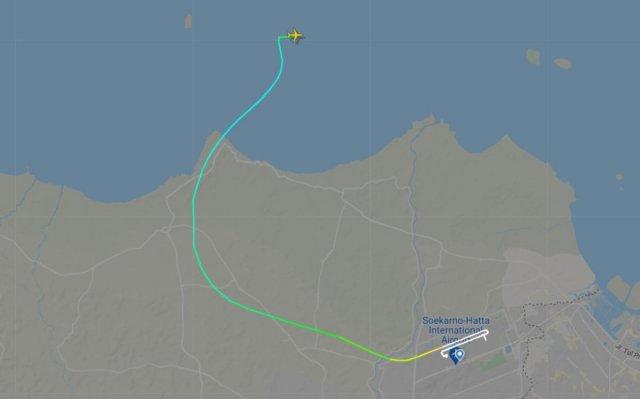 endonezyada yolcu ucagi denize dustu 2 tA3jGPAg - Endonezya'da yolcu uçağı denize düştü