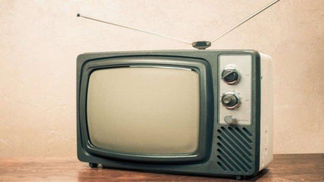 eski bir tuplu tv tum bir kasabanin internetini nasil cokertti 0 rZMZjz8k - Eski Bir Tüplü TV, Tüm Bir Kasabanın İnternetini Nasıl Çökertti?