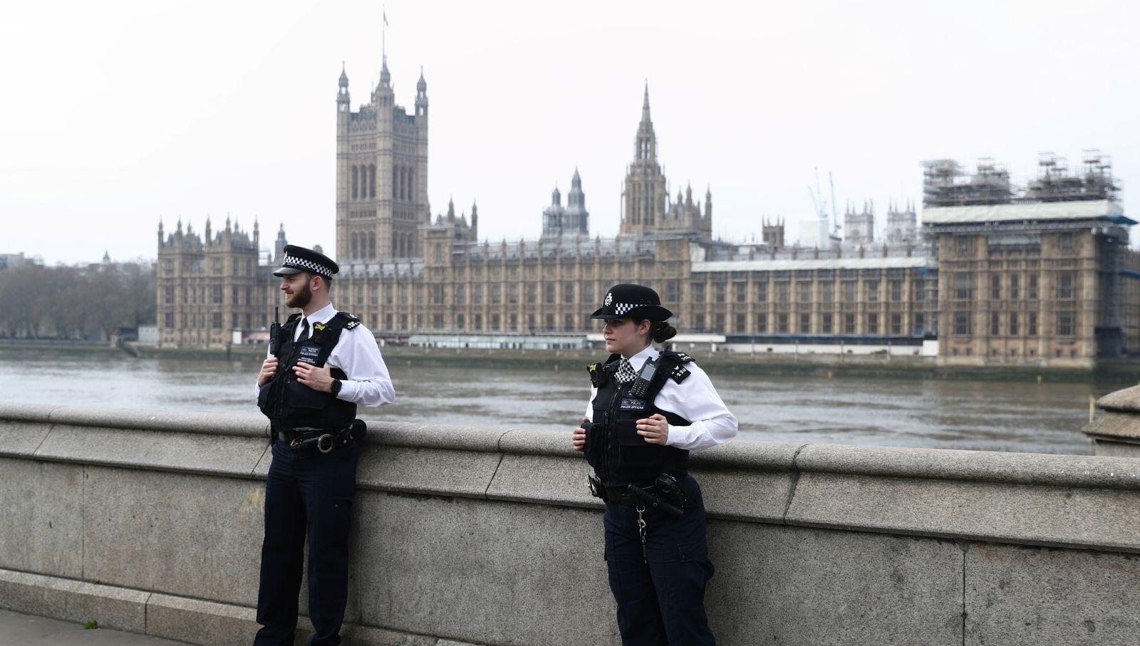 İngiltere ülkeye giriş-çıkışları kapatıyor, OkuGit.Com - Tarih, Güncel, Kadın, Sağlık, Moda Bilgileri Genel Bloğu