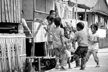 Keceriaan anak-anak Kamal Muara, Jakarta