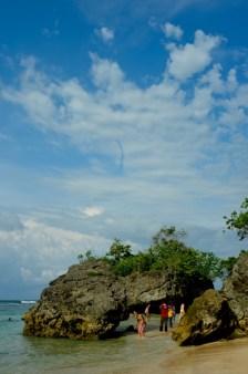 Enjoy the beach (Foto: Lydia Okva Anjelia)