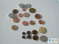 Größenvergleich mit LARP Münzen