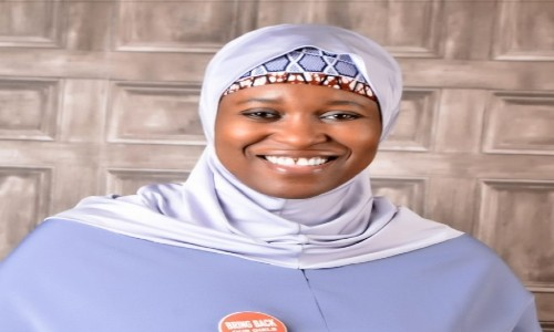 See Aisha Yesufu Reaction to The Report of How Yakubu Gowon Looted Half of CBN