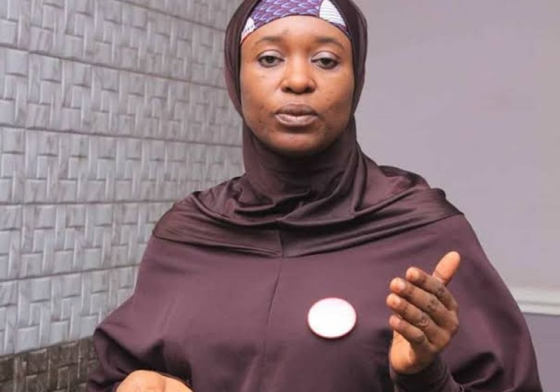 Aisha Yesufu Slams Those Who Share Photo of Jonathan Where He Attended A General's Funeral and Criticise Buhari for Failing to Honour Late COAS Burial