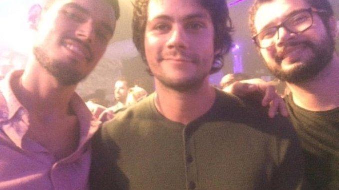 Dylan O'Brien tirou foto com quem pediu na Festa Lunática (fonte: Twitter)
