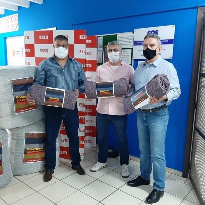 FIESP e CIESP doam 120 cobertores para o SOS de Sorocaba