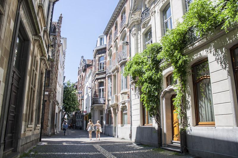 Rues d'Anvers sous le soleil - Olamelama