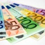 Krizė darbo rinkoje: greitai Lietuvoje atlyginimai ims pūstis it ant mielių