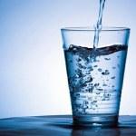 Vanduo, kurį geriame: nuo vaistų likučių iki nevaisingumo ir smegenų anomalijų