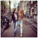Gintarė Gurevičiūtė ir Karina Krysko-Skambinė Amsterdame aplankė raudonųjų žibintų kvartalą