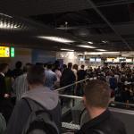 Kitą savaitę Schipholio oro uoste keleivius gali pasitikti eilės prie muitinės