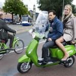 Planuojama Amsterdamo dviračių takais uždrausti važiuoti motoroleriais