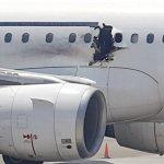 Neaiškus sprogimas lėktuve virš Somalio: žmogus buvo išsiurbtas per atsivėrusią skylę