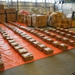 Roterdamo uosto pareigūnai rado kokaino, paslėpto dėžėse, verto 100 mln. eurų