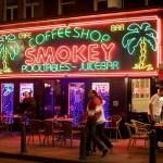 Olandijos miesto draudimas turistams patekti į kavines duoda vaisių