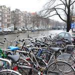 Amsterdame bus šalinami ne vietoje palikti dviračiai