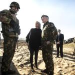 Ministras pirmininkas lankė Lietuvoje apsistojusius NATO karius