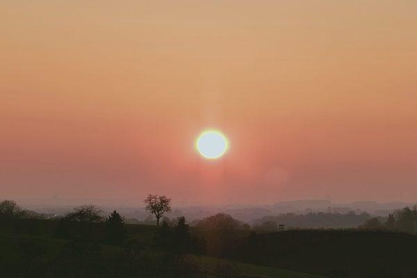 Aufgelockertes Schäfchengrau mutiert zu Strahlehimmel. Ein November Tagebuch