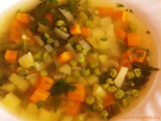 vegyes zöldségleves sok zöldséggel minden évszakban