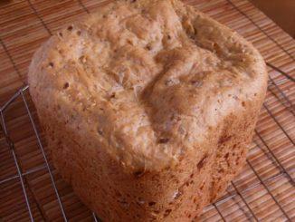 félbarna kenyér kenyérsütőgépben