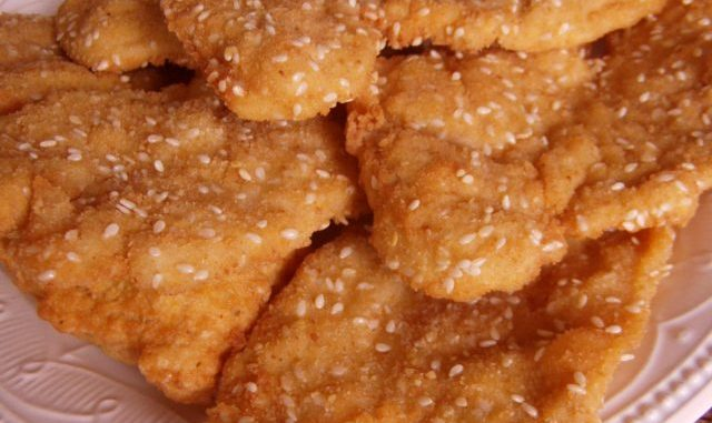 szezámmagos csirkemell, szezámmagos rántott hús