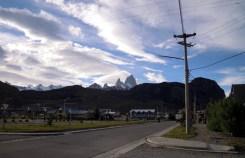 El Chalten, da dx: Fitz Roy, l'Aguja Poincenot, l'Aguja Saint Exupery, Cerro Torre (ph. L. Vallata)
