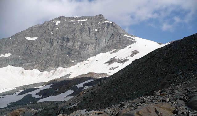 Collerin (3475 m) e Pian Gias dove si verificò l'incidente del povero Castagneri. Alpi Graie, al confine tra Italia e Francia (da Wikipedia)