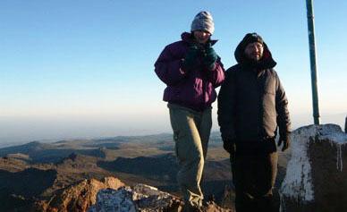 Sulla vetta di Punta Lenana (4985 m), 27 gennaio 2010