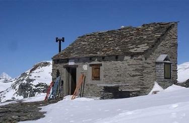 Capanna Giovanni Leoni al Monte Cistella (2803 m) - ph. Ezio Floriani